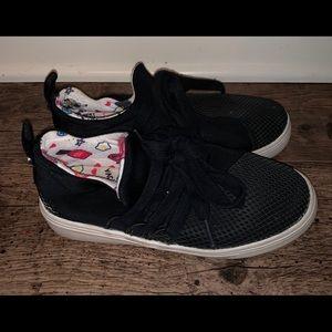 Steve Madden sneakers size 1 black